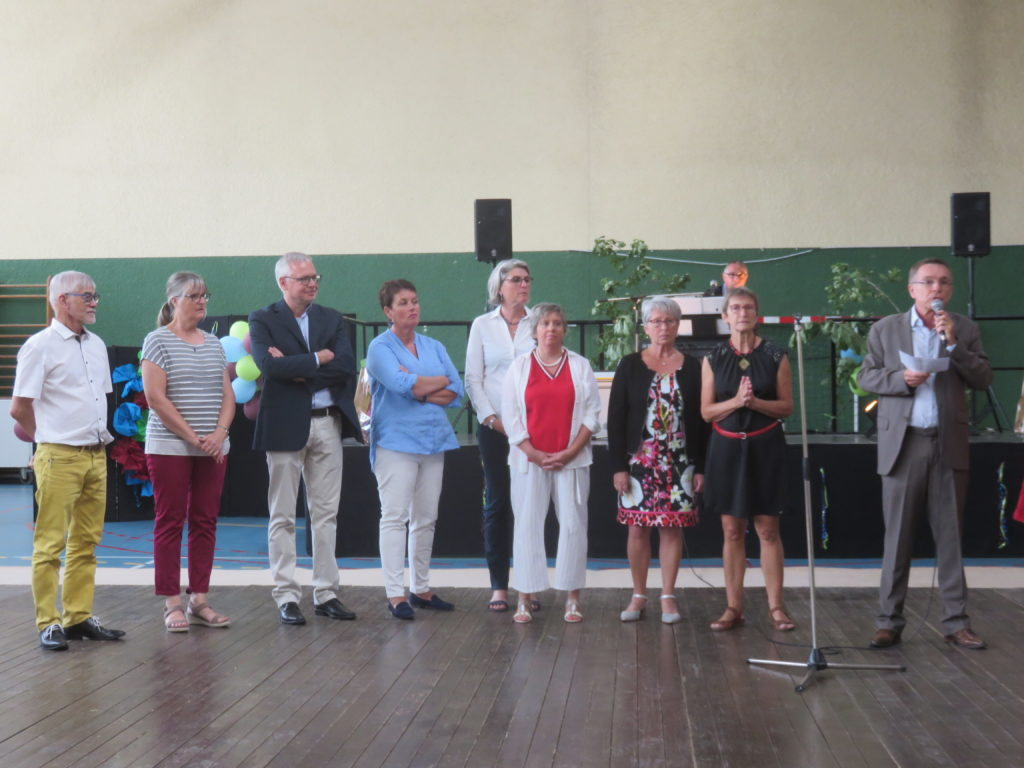 Les élus et les membres du CCAS au repas des Aînés 2019